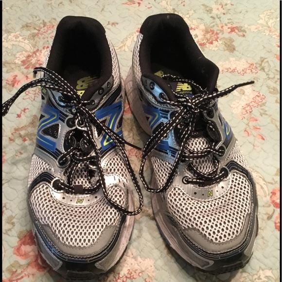 a712ccd23689d New Balance Wide Width (2E) Men's Athletic Shoes. M_5cb8bf93152812520bca3f7c